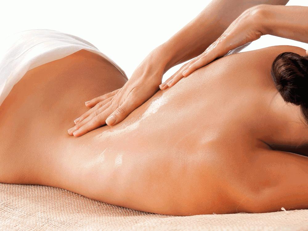 Massage du corps à l'huile chaude