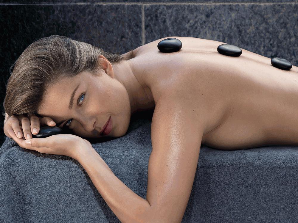 Massage dos nuque aux Pierres Chaudes
